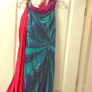 Cache sequin gown